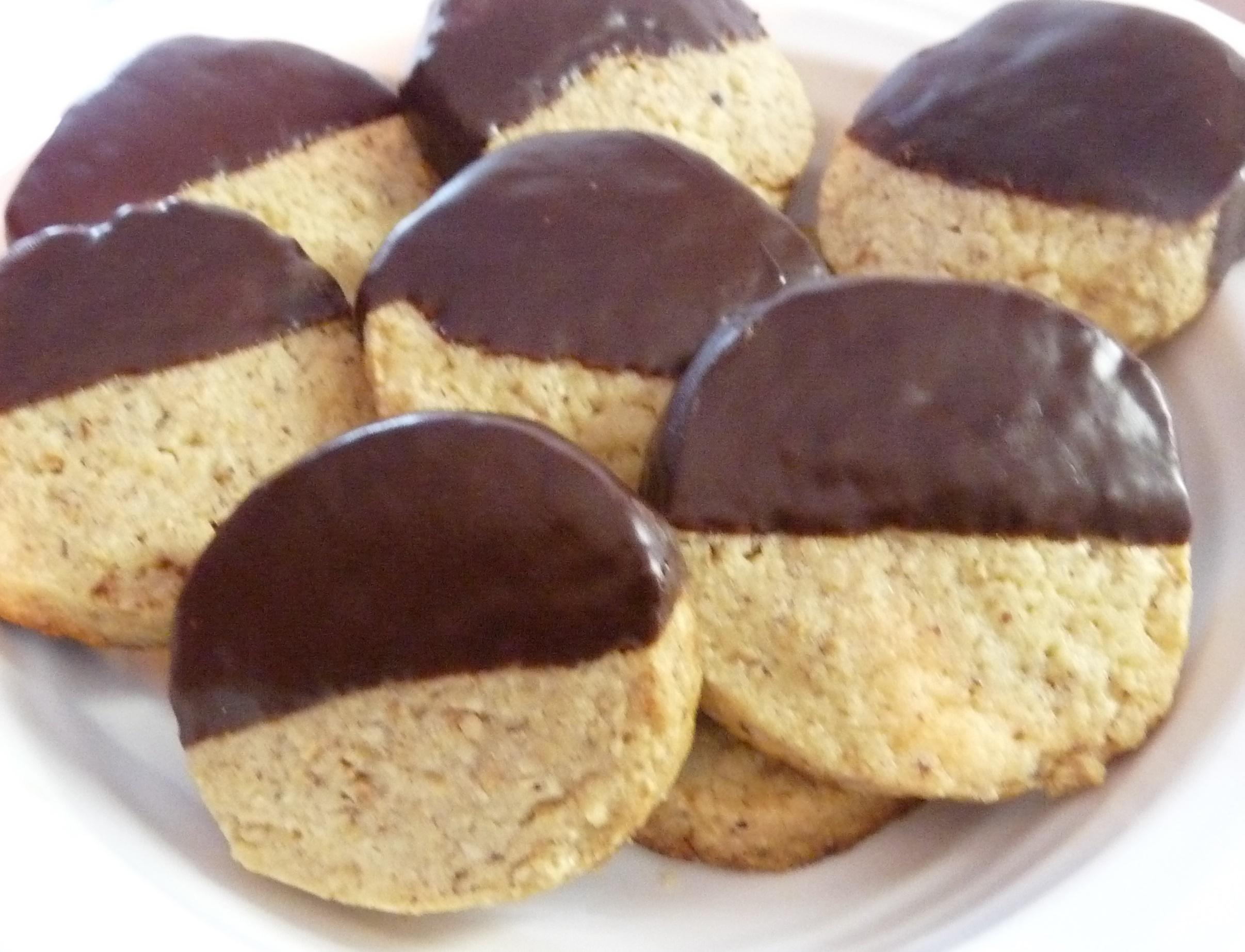 Chocolate Hazelnut Shortbread - thedigestersdilemma.com